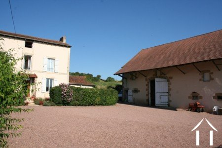 Detached 4/5 bedroom house, large barn, 2,3 hectare of land