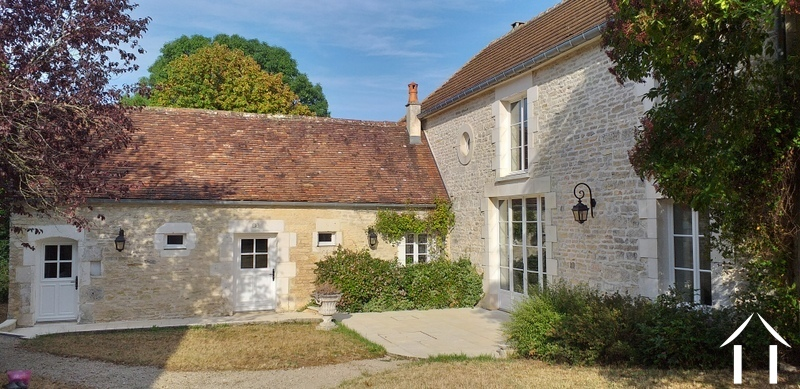 Renovated charming character house in the Puisaye.