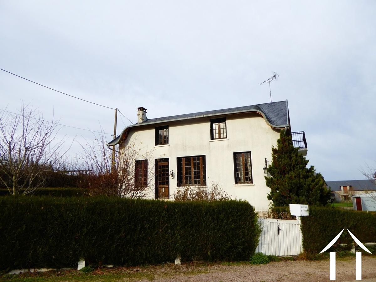 Maison familiale spacieuse près d'un village