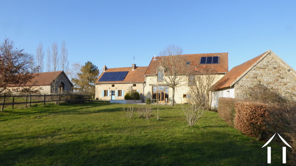 Large renovated house with outbuildings on 9000m2.