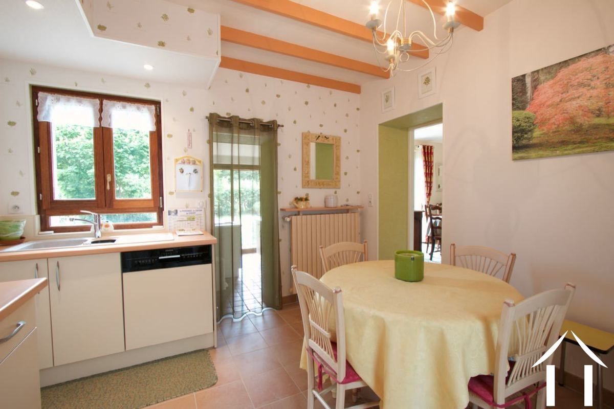 Property in a quiet area with garden and woods
