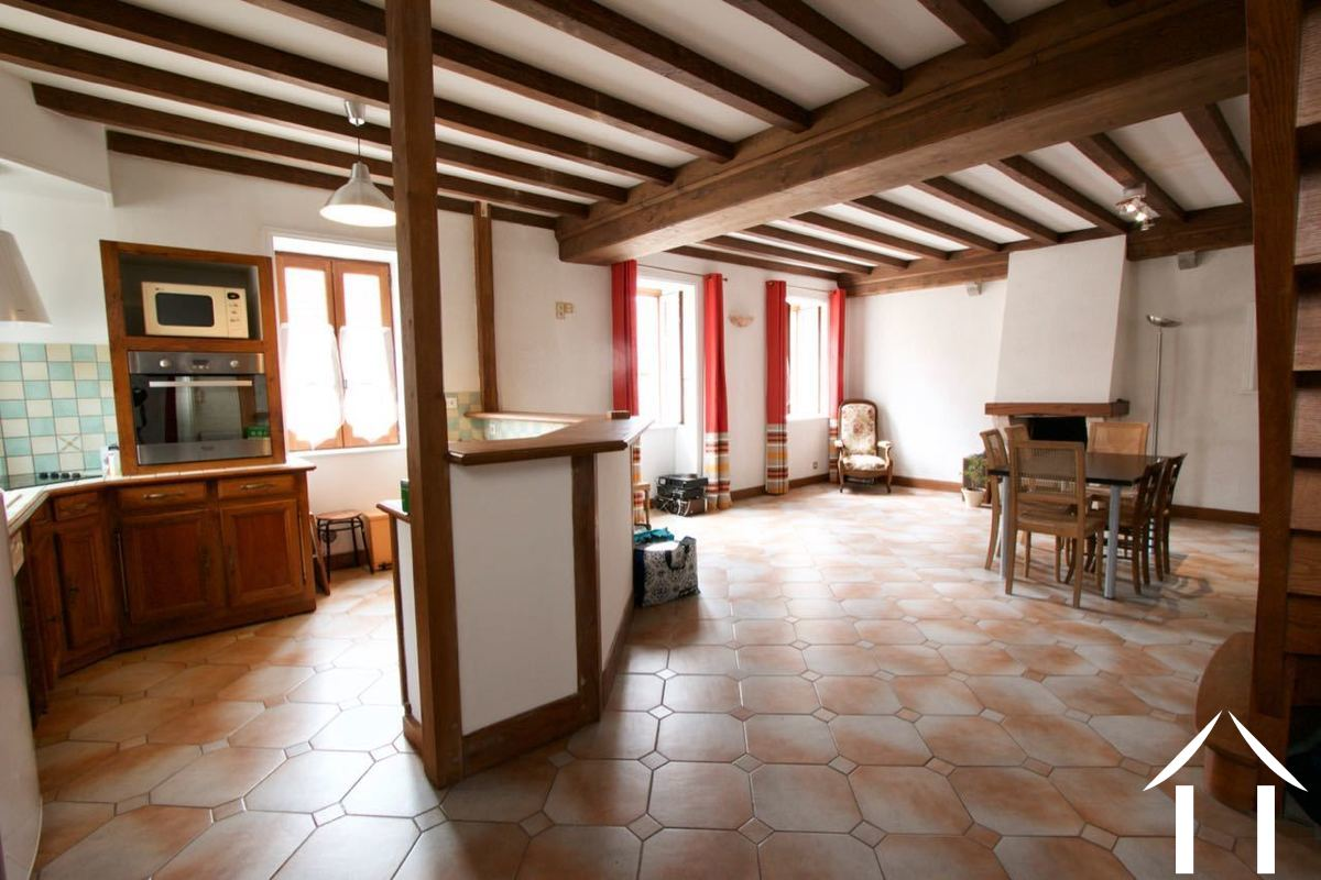 Ideal Pied-a-terre in a famous wine village