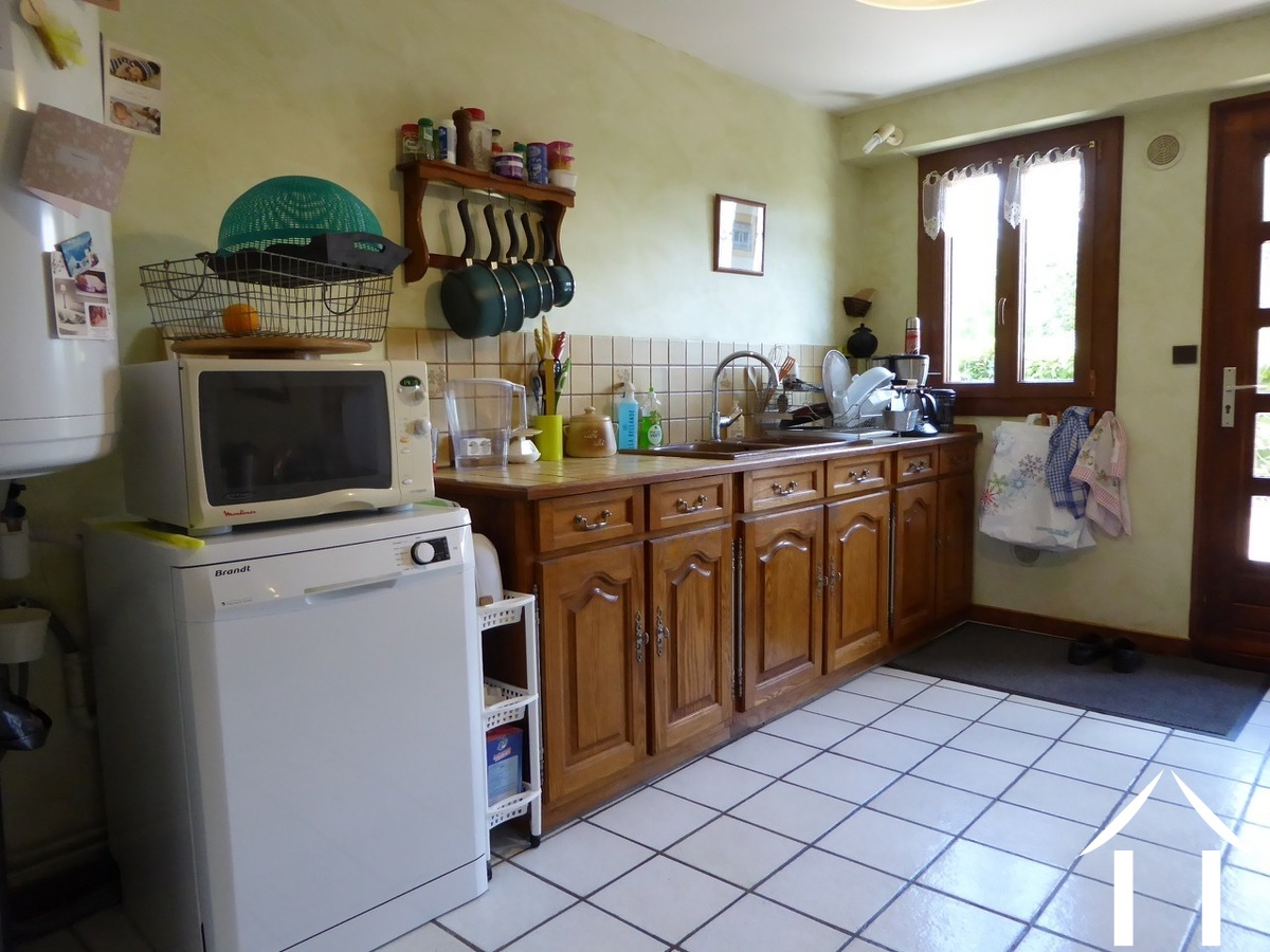 Renovated house in a small hamlet 15 minutes from Autun.